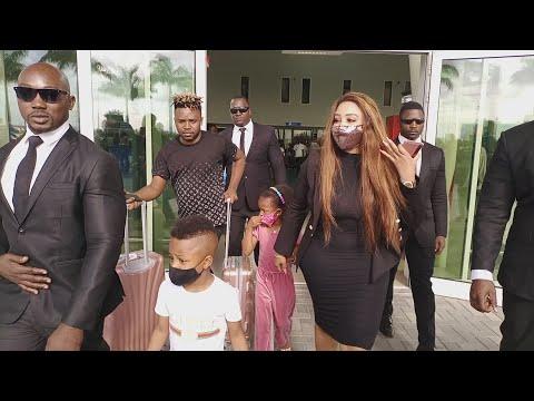 Zari Atua Bongo na Watoto wa Diamond ona Mama Diamond Ampokea na Juma Lokole Amkumbatia kwa mahaba