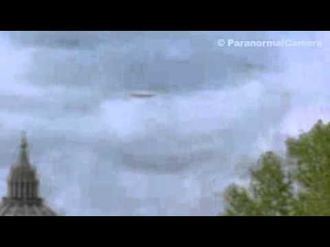 UFO sightings 2013: ufo in the sky (Rome) | 2013 UFO sightings | Aliens caught on tape