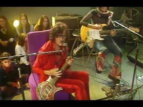 Charly García video Tu vicio - CM Vivo agosto 2002