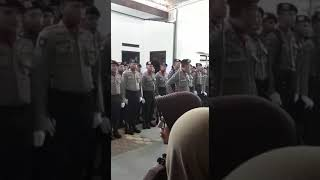 Upacara Pemberangkatan Jenazah Alm Bripda M. Lutfi Ali Shofi Dari Rumah Duka Menuju Lokasi Pmakaman.
