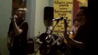 Video Bermudskéj kvádr- Ustup nebo podrš, Vepřový dršky.