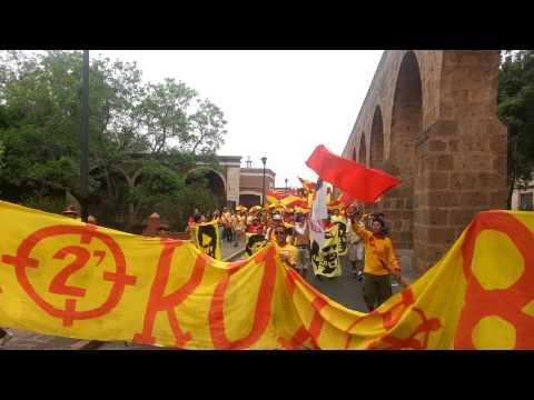 """""""Caravana locura 81 vs cruz azul liguilla 2013"""" Barra: Locura 81 • Club: Monarcas Morelia"""