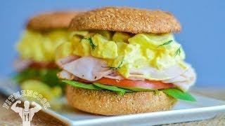 Turkey & Egg Salad Sandwich / Sándwich de Pavo y Ensalada de Huevos