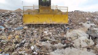 Landfill compactor study (In this video: TANA vs. Caterpillar)