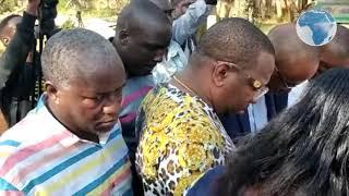 Governor Sonko prays outside Voi Law Courts