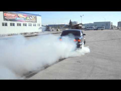 Der Zusatz ins Benzin udalitel der Feuchtigkeit