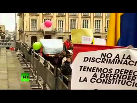 Colombia protesta dividida ante la legalización del matrimonio homosexual