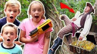 Kids vs Pirate! Search for Treasure! Kids Fun TV