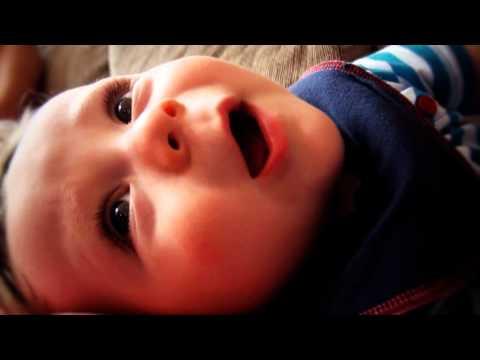Yenidoğan bebek 1 yılda nasıl değişir?