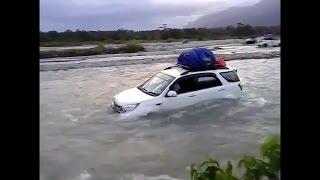 Daihatsu Terios 2017 VS Toyota Avanza TERJANG Banjir