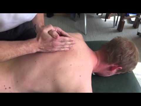Rotazione di curvatura di spina dorsale