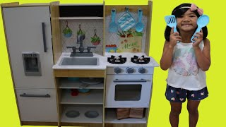 Sophia Pretend Play with Fresh Harvest Kitchen Cooking Toy Kids Playset