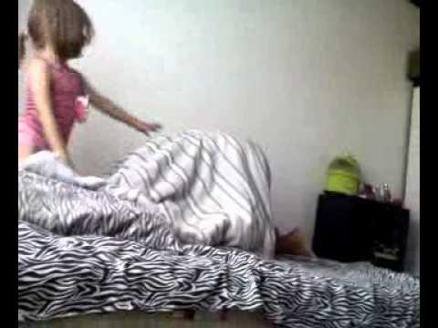 Ana Clara brincando com seu papai, Isto não ira dar certo...