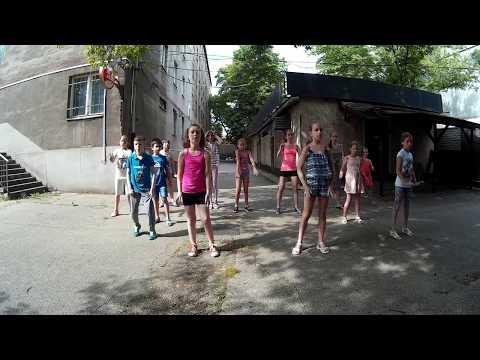 Vegyes csoportunk első bemutatkozása salsa ruedával a 2016-os Tökfesztiválon