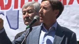 Назарбаев обокрал и распродал весь Казахстан