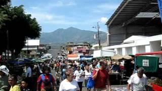 preview picture of video 'COSTA RICA, SAN JOSE, FERIA DEL AGRICULTOR EN PAVAS'