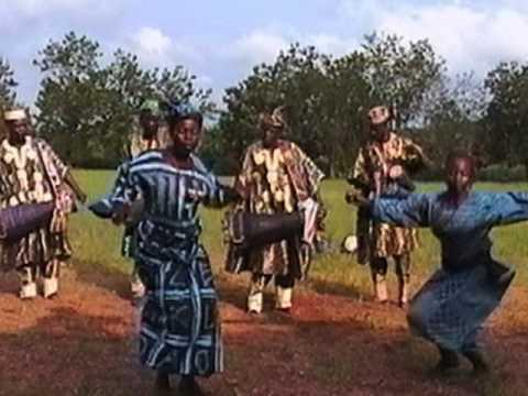 Yorùbá Masquerade Dancers Sing Oríkì and Dance Bàtá
