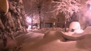 preview picture of video 'Nevicata a San Marino 20-23 gennaio 2011'