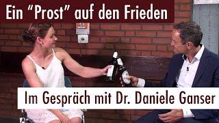 """""""Ein Prost auf den Frieden"""" – Im Gespräch mit Dr. Daniele Ganser"""