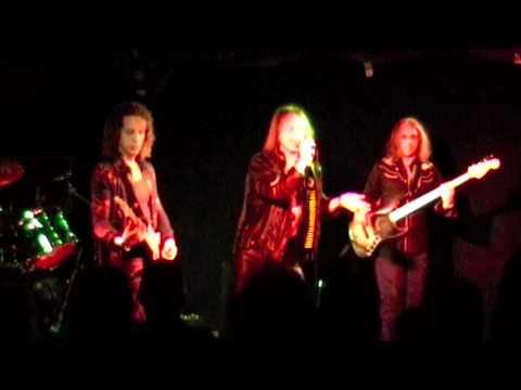 Leaf Hound - The Man the Moon in Him - Camden Underworld 17-09 ... online metal music video by LEAF HOUND