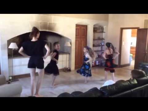 Танец - подарок маме на День Рождения