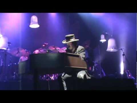 Zucchero - Everybody's got to learn sometime (live in Split, Croatia).mpg