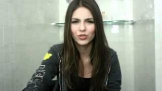 Виктория Джастис, Victoria Answers More Twitter Questions