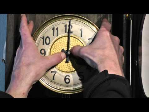 Schlagwerkskorektur einer Großuhr (Schlossscheibenschlagwerk)
