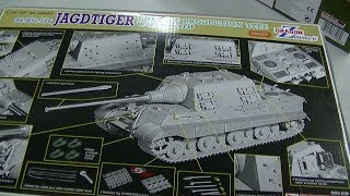 preview picture of video 'Unboxing Dragon Zimmerit Jadgtiger , Neo Plamo, P10'