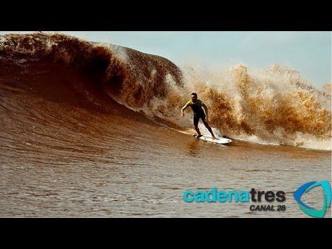 Intrépido surf en las gigantescas olas del río Amazonas