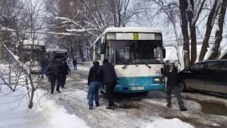 Смотреть до конца.  21 ноября. Алматы.  Автобус буксует, летает😂.