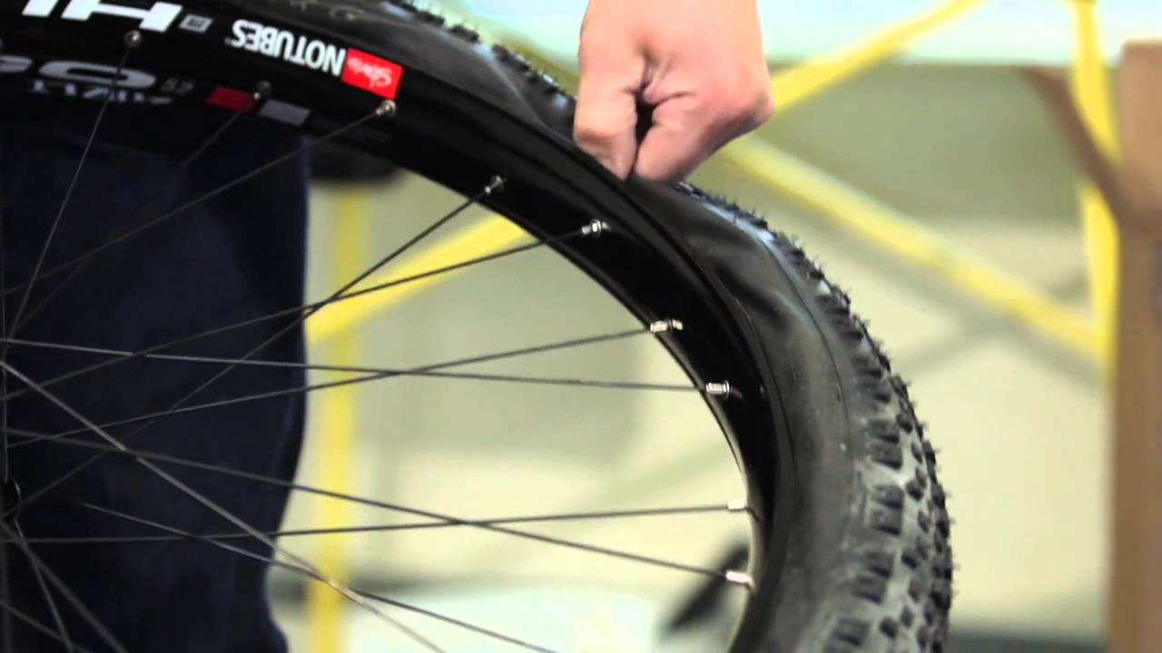 How-to: Installing Tires on the Hugo 52 Rims - Stan's NoTubes