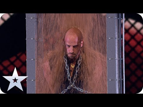 Escapologist Jonathan Goodwin is BURIED ALIVE! | The Final | BGT 2019 (видео)