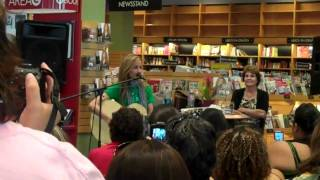 "Chely Wright ""Notes to the Coroner"" @ Borders San Diego"