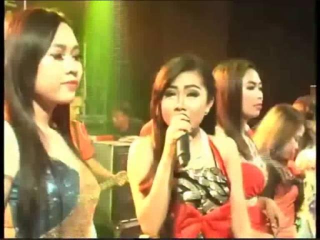 thozhuthu madangum karaoke