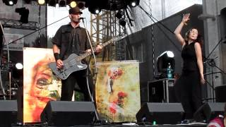 Video Free Fall - Bezbranná, Masters of Rock 2013