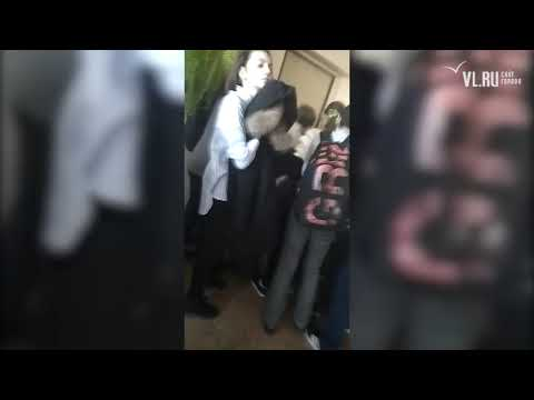 Двери были закрыты - в России ученики школы не могли выбраться из горящего здания. Видео