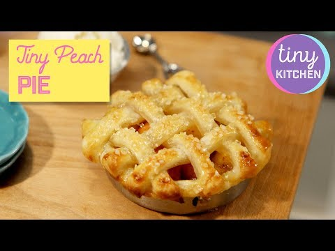 Tiny Peach Pie | Tiny Kitchen