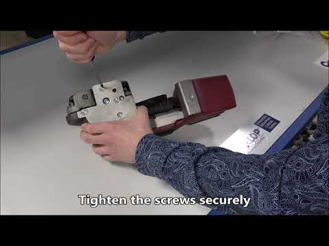 CMT 260 / CHT 450 / CLT 130: Attaching the protective plate