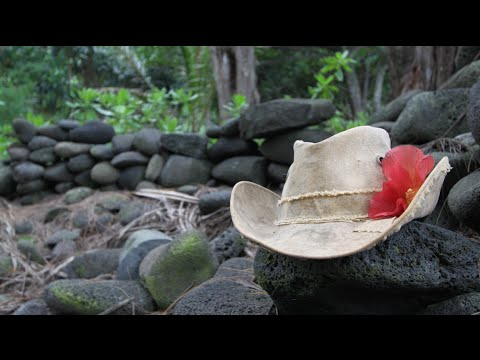 Real Deal Brazil: Tarp Hat Review from Hawaii