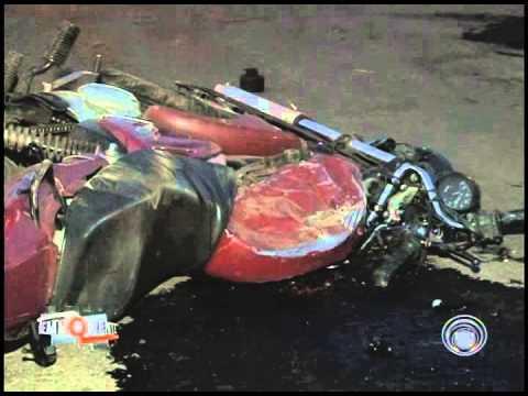 Colisão entre moto e carreta deixa dois mortos em Cambé (09/07)