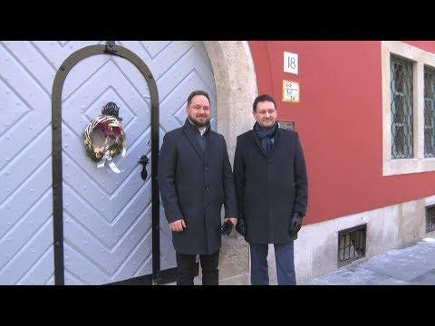 Felújított épületek a kerületben 2018 - video preview image