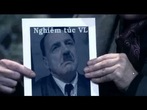 Thanh niên Hitler nghiêm túc trước chiêu trò khoe vếu của Bà Tưng