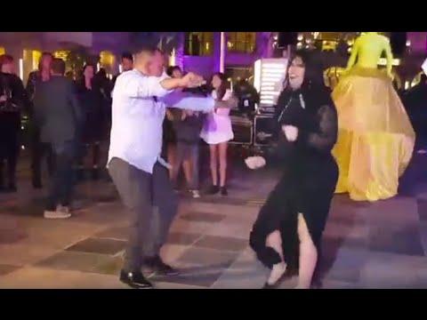 وصلة رقص لـ«فيفي ولطفي» خلال افتتاح فندق بالغردقة