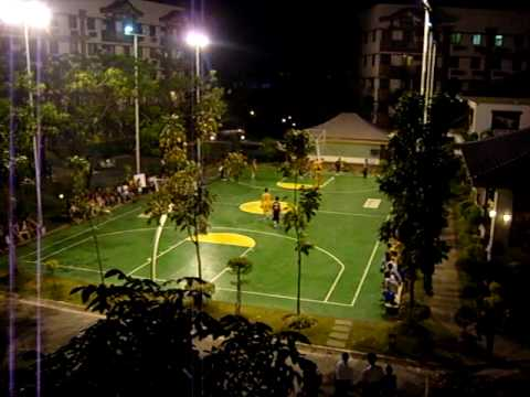 Beautiful basketball court in Metro Manila