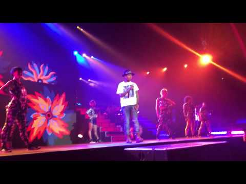 Pharrell 'Hot in Herre' 'I Just Wanna Love U' & 'Gush' Live O2 Arena London Dear GIRL Tour 10/10/14