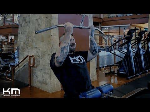Reverse-Grip Pulldown