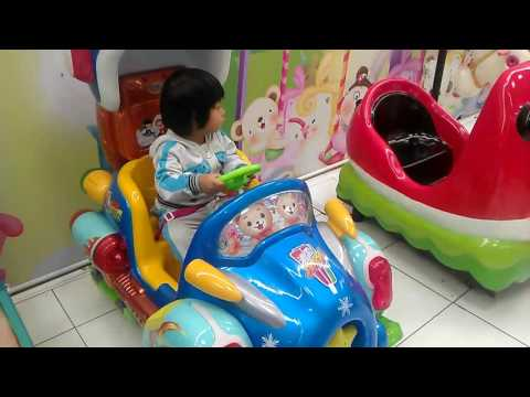 Video Lucu Mainan anak umur 2 tahun, mobil mobilan