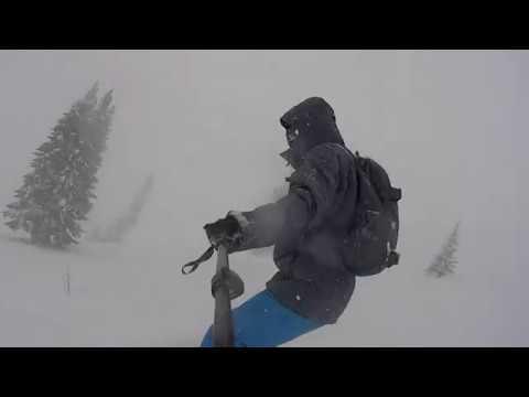 Видео: Видео горнолыжного курорта Воронина, Гора - Снежный Барс в Свердловская область