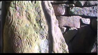 'Cairn T' Autumn equinox sunrise illuminating back stone with 111 Hertz chant